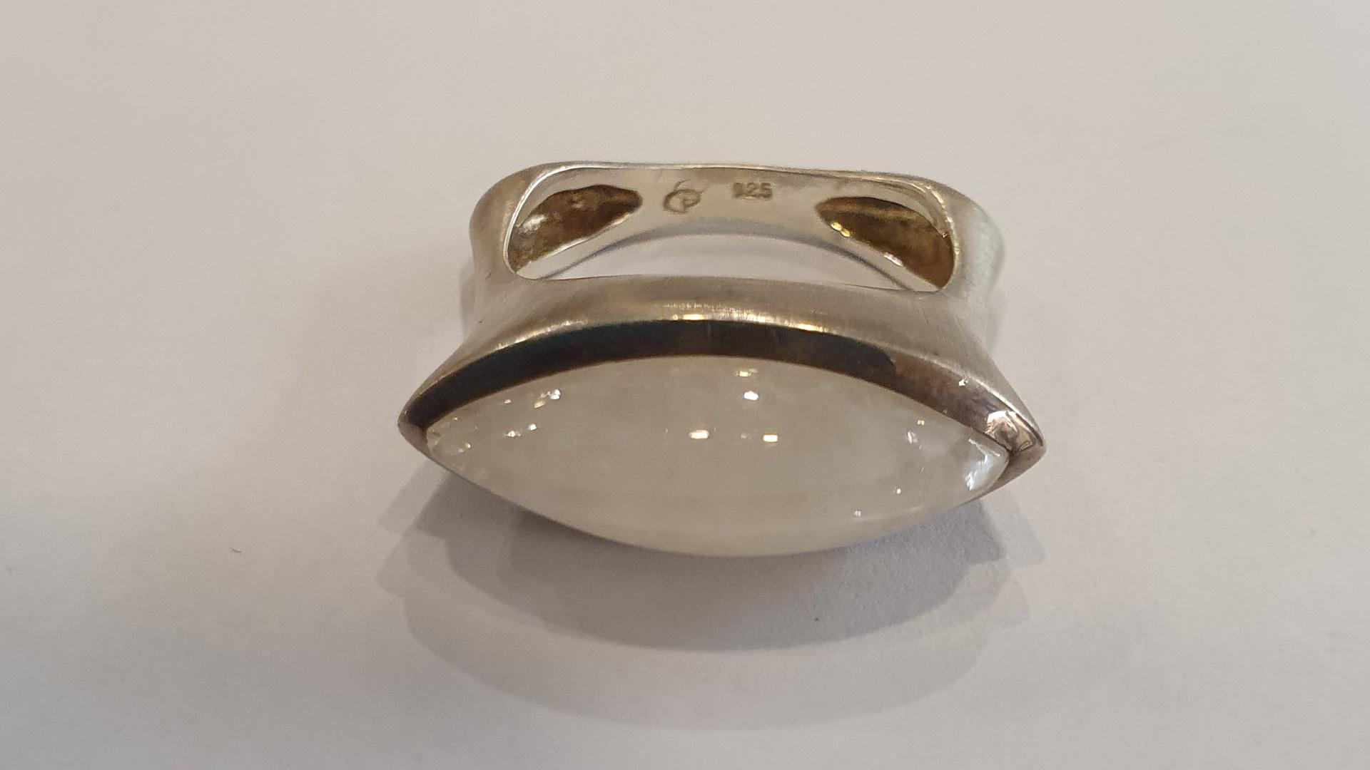 Mondstein gefasst in 925 er Silber